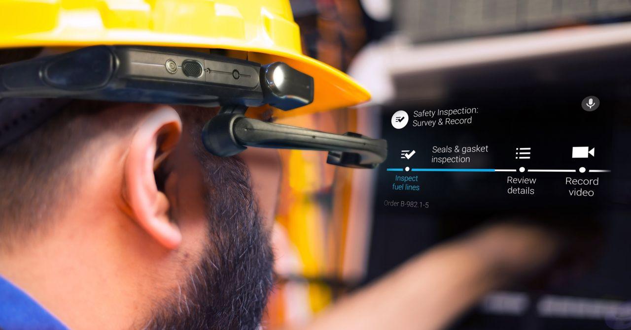 Service mit freien Händen – Welche Smart Glasses sich besonders gut für den industriellen Einsatz eignen
