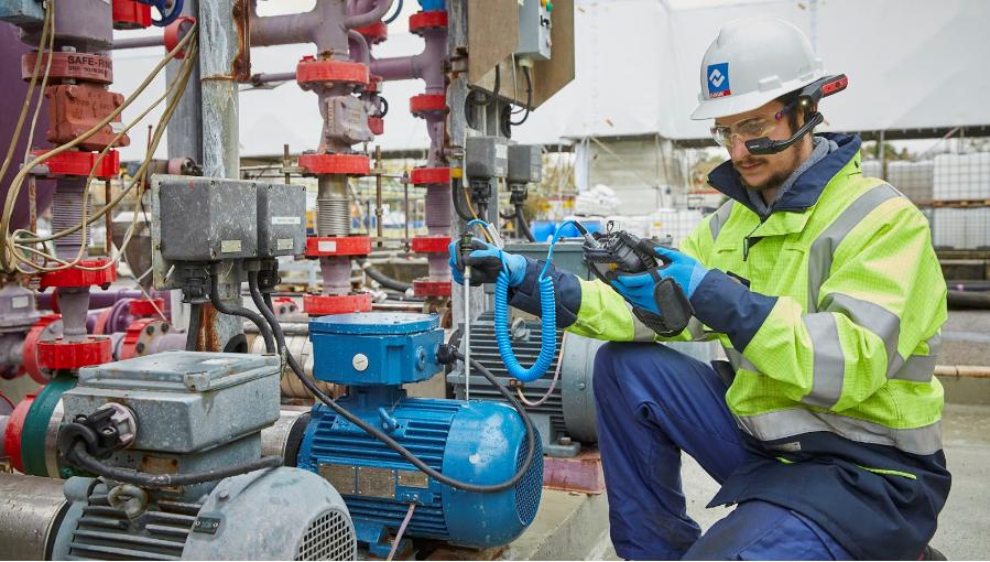 Datenbrillen in der Instandhaltung – RISE und die HMT-1Z1 im Einsatz bei XERVON